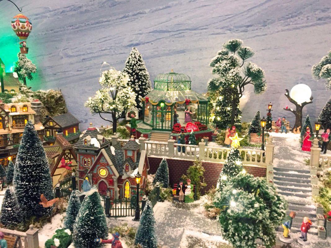 Sfondi Natalizi Per Email.Villaggi Di Natale Lemax Planetgadget Villaggi Lemax Idee E